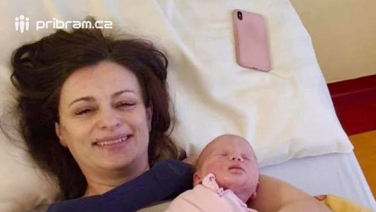 Hejtmanka Jaroslava Pokorná Jermanová porodila zdravou holčičku