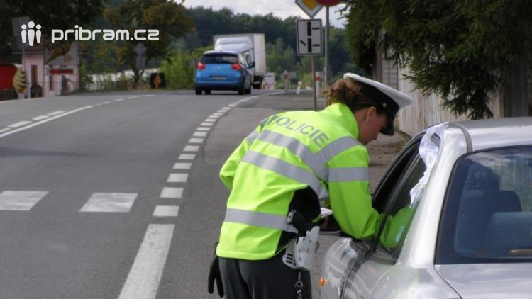 Dva značně opilí řidiči brázdili příbramské silnice