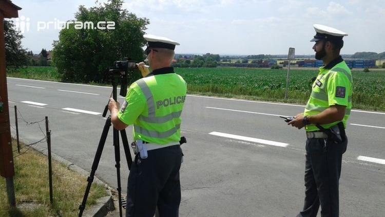 Známe místa stanovišť policejních hlídek zítřejšího Speed marathonu