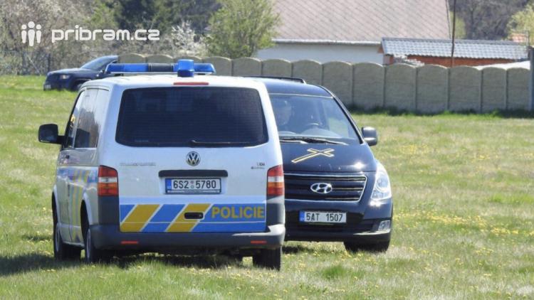 Tragická nehoda na Příbramsku: Motorkář nepřežil srážku s autem