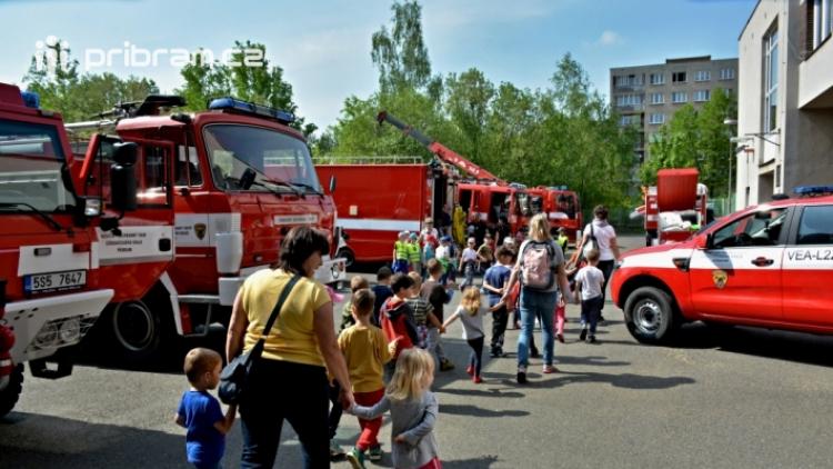 Začátkem května proběhne den otevřených dveří na požárních stanicích v Příbrami, Dobříši a Sedlčanech