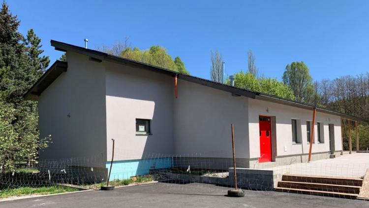 Jak to aktuálně vypadá s rekonstrukcí Junior klubu a výstavbou restaurace na Novém rybníku?