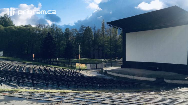 Příbram možná pořídí novou technologii do letního kina