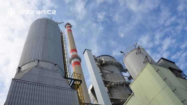 Nový vlastník Příbramské teplárenské slibuje snížení ceny tepla. Odzvoní lokálním kotelnám?