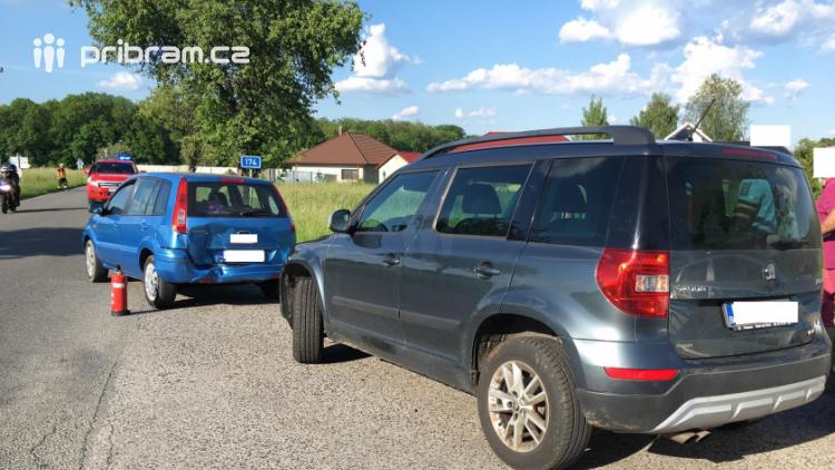 Aktuálně: Zraněním skončil střet dvou aut u Tochovic
