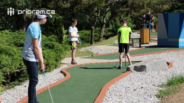 16. června čeká návštěvníky Nového rybníka zvýhodněné vstupné na Adventure golf a půjčovna bude zdarma