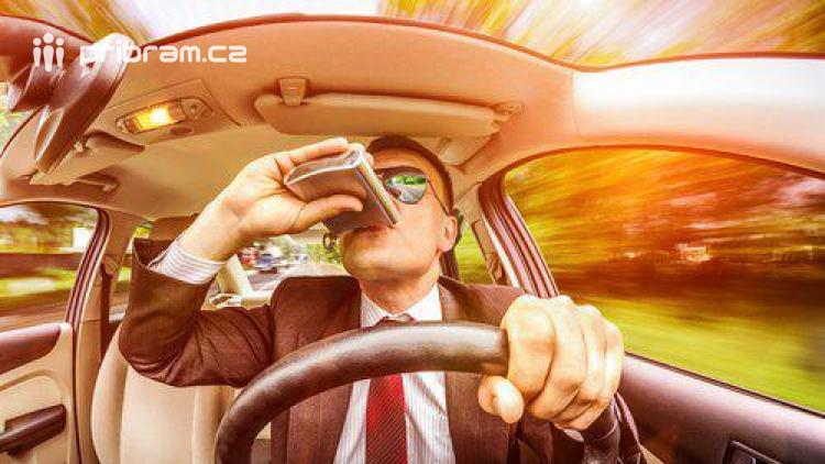 Opilých a zfetovaných řidičů přibývá. Od začátku roku jich policisté zastavili přes 250
