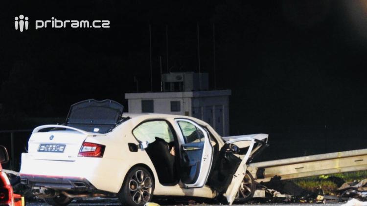 Aktuálně: Tři vrtulníky přistávají u Milína, z místa je hlášen velký počet zraněných