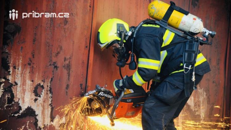 Za prvních pět měsíců tohoto roku zasahovali příbramští hasiči u 76 požárů.