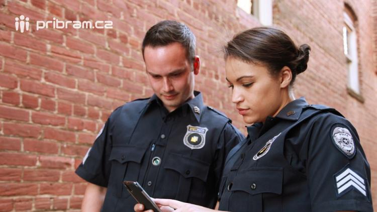 Turistům v Chorvatsku a Bulharsku jsou o prázdninách k dispozici čeští policisté