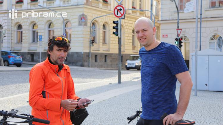 V ulicích Příbrami se testují podmínky pro cyklisty