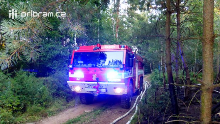 Aktuálně: Hasiči zasahují u dalšího požáru lesa