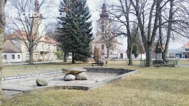 Petrovice na Příbramsku chystají opravu kašny na náměstí
