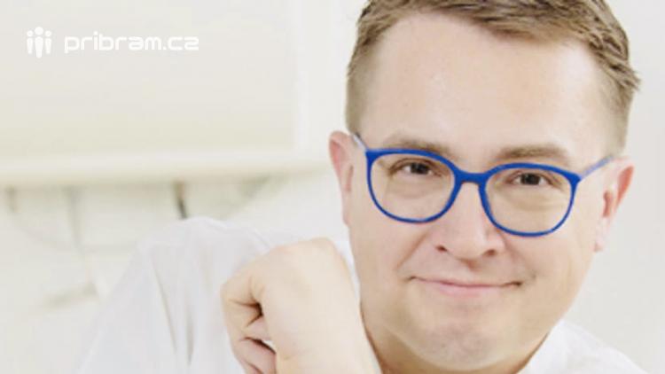 Lékař, podnikatel a moderátor Roman Šmucler oslaví padesátiny