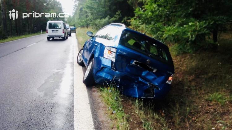 Aktuálně: Tři havarovaná auta omezují dopravu u Drásova