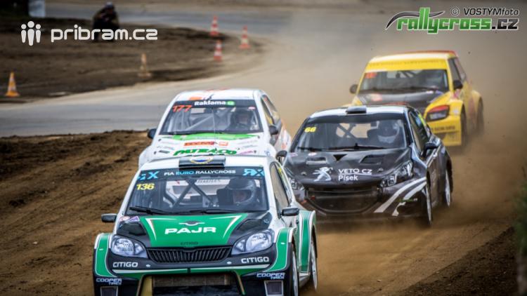 Sedlčanskou kotlinou budou o víkendu burácet motory silných aut
