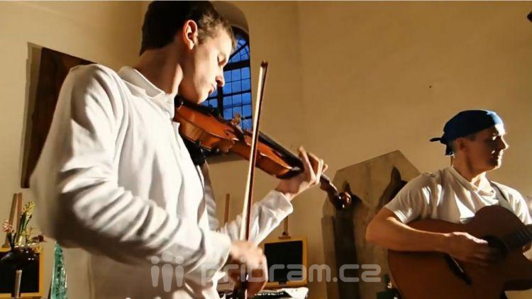 Duo Klímovi zahrají v Déčku už zítra (VIDEO)