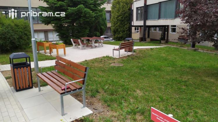 Nemocnice ve svém areálu na Zdaboři otevřela relaxační zónu