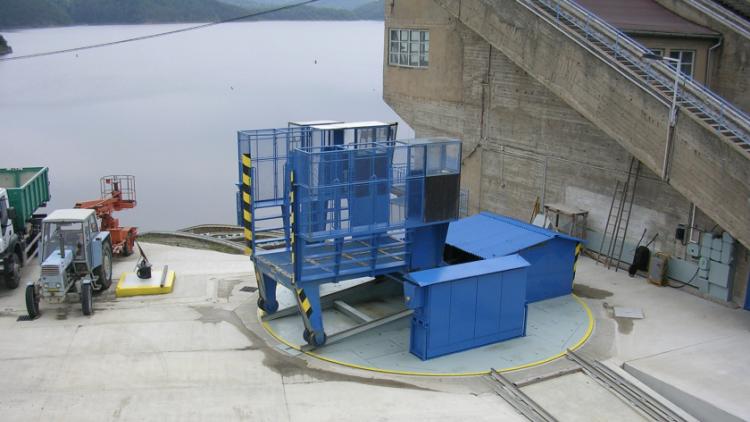 Kvůli trvalému suchu skončí příští týden provoz plavebního výtahu na Orlíku