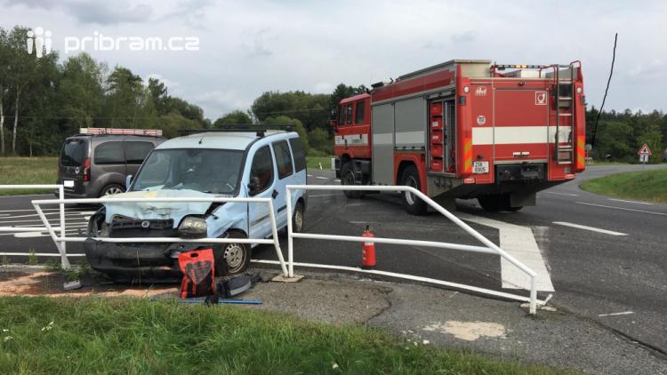Dopravní nehoda u Višňové si vyžádala dvě zraněné osoby