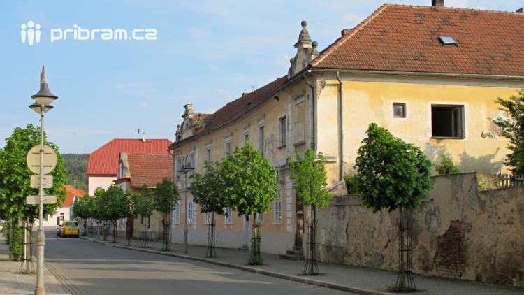 Úřady odmítly omezit rychlost v centru obce Kamýk nad Vltavou, nesouhlasí ani s vyznačením přechodů pro chodce