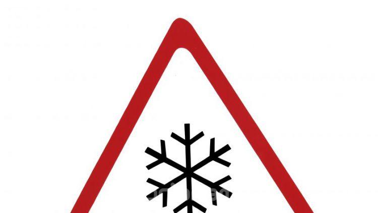 Některé silnice ve středních Čechách jsou sjízdné s opatrností