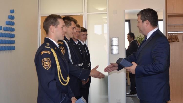 Ministr vnitra ocenil čtyři příslušníky HZS Středočeského kraje