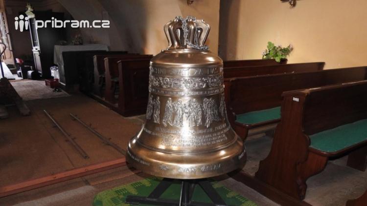 Nový zvon se v Kamýku nad Vltavou rozezní tuto neděli