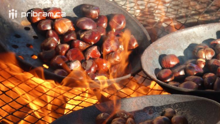 Pečené kaštany jsou nejen pochoutkou, ale také zdrojem vitamínů