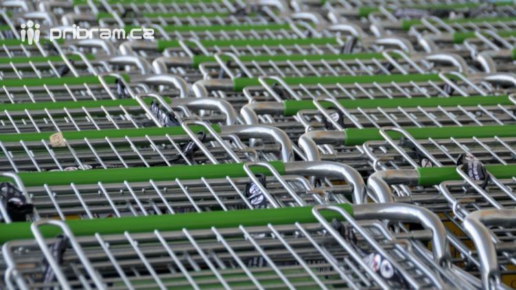 Státní svátek uzavře v pondělí supermarkety