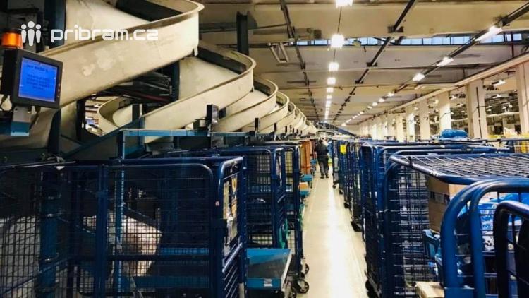 Česká pošta posiluje. Před Vánoci přijme až pět tisíc brigádníků