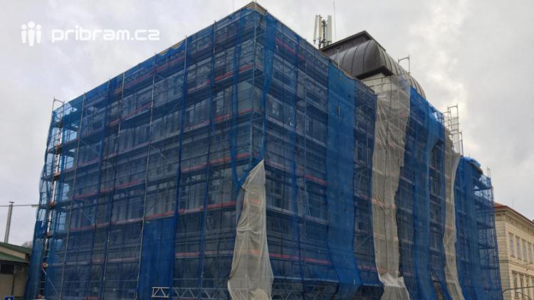 Termín rekonstrukce budovy radnice se odkládá, vedení města nesouhlasilo s památkáři