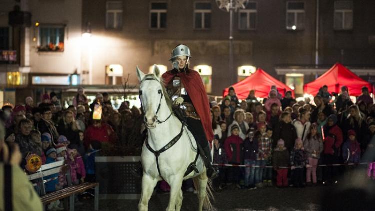 V pondělí přijede do Příbrami Martin na bílém koni
