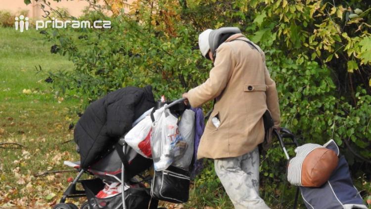 Noc venku: Lidé v 15 městech si dnes mohou vyzkoušet život bezdomovců