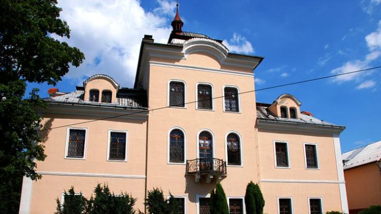 Nalžovický zámek stále nemá ředitele