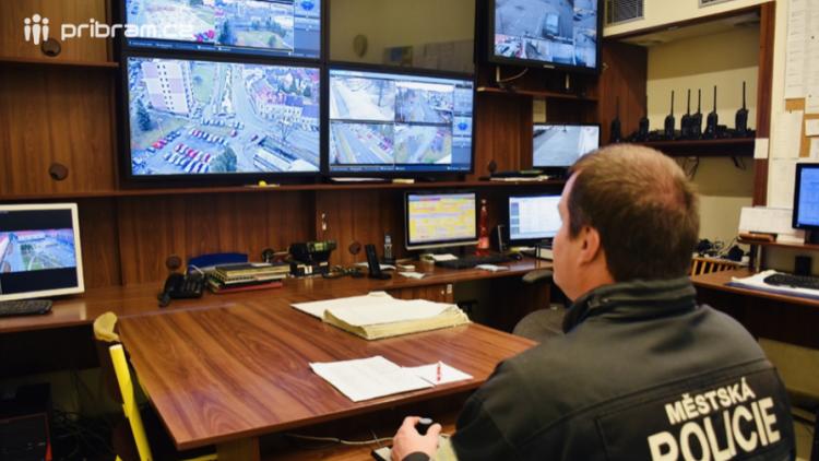 Prostor u příbramského gymnázia bude nově monitorovat kamera