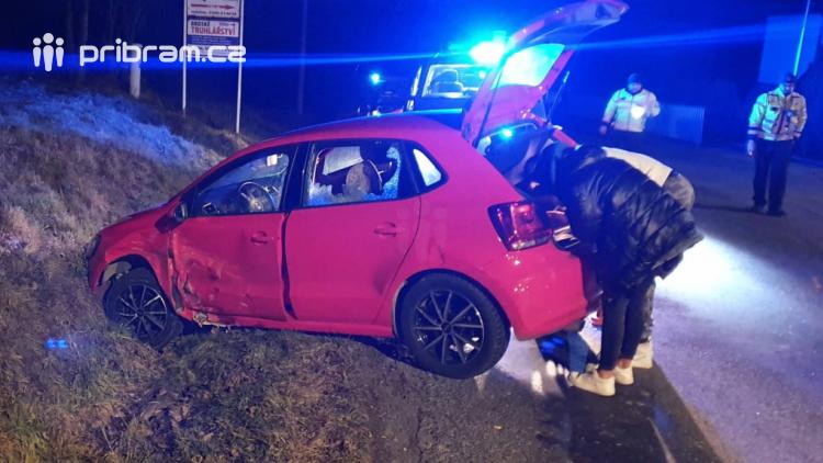 Noční nehoda si vyžádala škodu za 200 tisíc