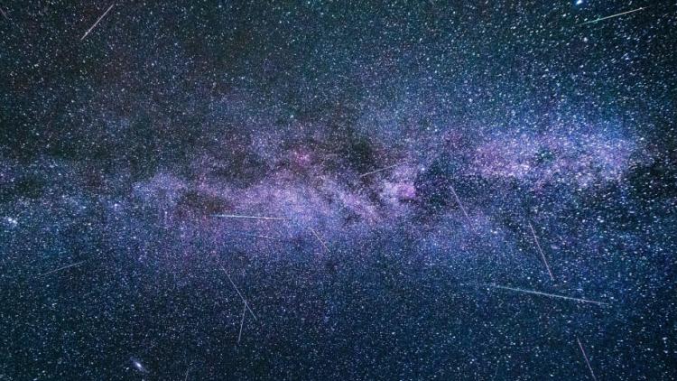 Čeká nás nebeská podívaná. S každou hodinou na obloze zazáří až 110 meteorů