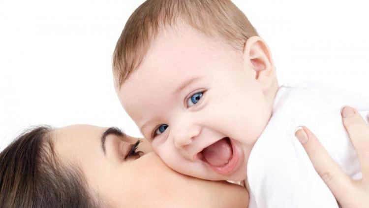 Kvůli zájmu o úpravu rodičovského příspěvku otevřel úřad práce další přepážku