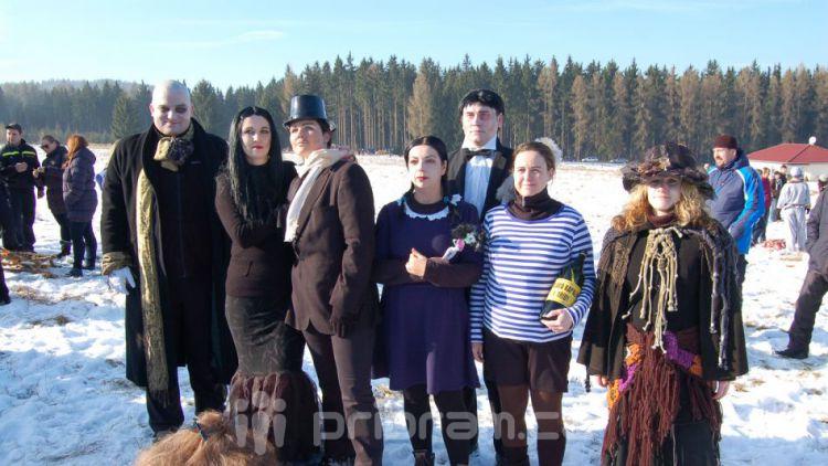 Zlatý nuget Bečánova: Do cíle doběhla i Addamsovo rodina