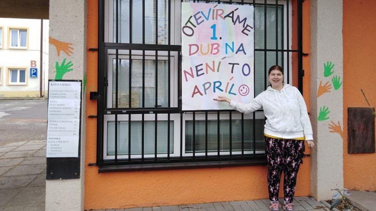 Má handicap, přesto získala svou vysněnou práci. Musela však ujít velký kus cesty