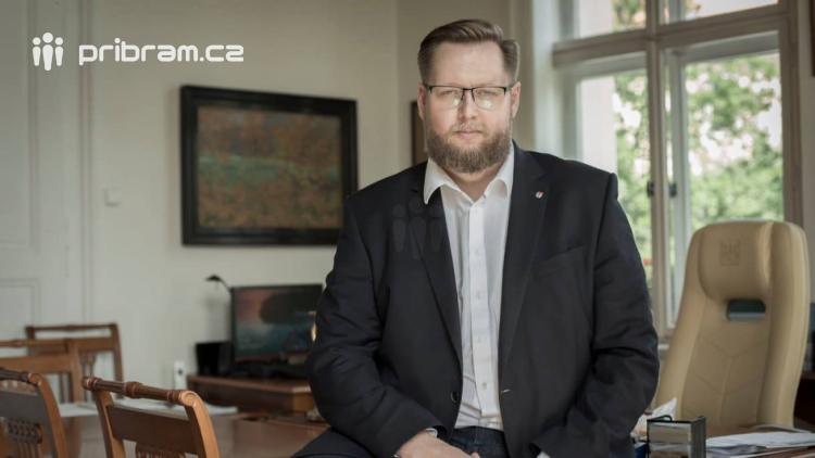 Jan Konvalinka: Podstatné je, aby se s bazénem konečně začalo něco dělat, než ho budeme muset pro havarijní stav zavřít