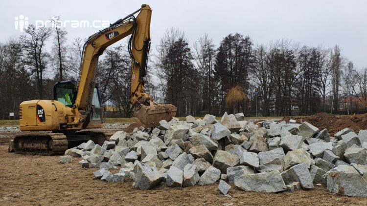 Na Nováku se pracuje i v zimě, buduje se zde litorální pásmo