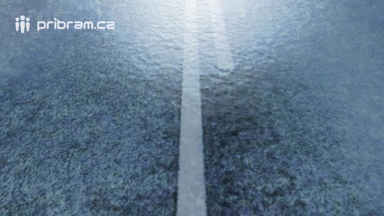 Meteorologové varují: Silnice a chodníky pokryje ledovka