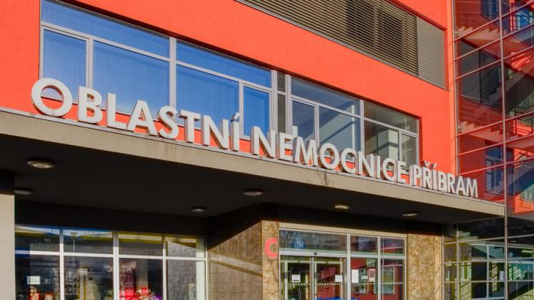 Příbramská nemocnice kvůli chřipce omezuje návštěvy