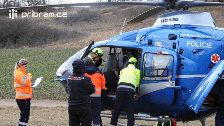 Záchranářský vrtulník spěchal pro motokrosaře. Při tréninku si zlomil pánev