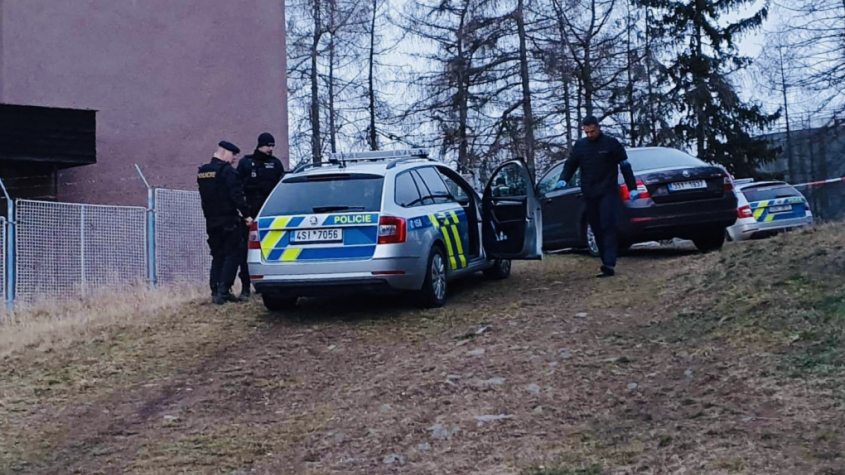 V Příbrami byl nalezen oběšený muž, na místo přijela kriminální policie