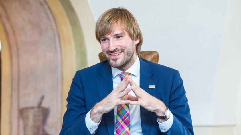 Nemocnice jsou na koronavirus připraveny, zatím v Česku není, řekl Adam Vojtěch