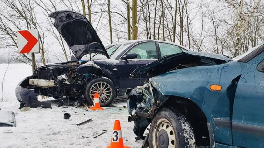 Sníh a námraza komplikují dopravu. Situaci na silnicích sledujeme on-line