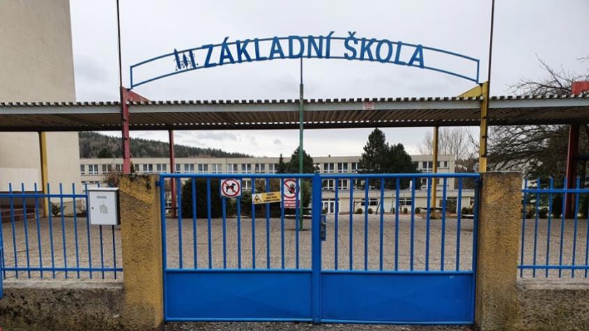 Bezpečnostní rada státu rozhodla od středy zrušit kvůli koronaviru výuku v základních, středních a vyšších odborných školách